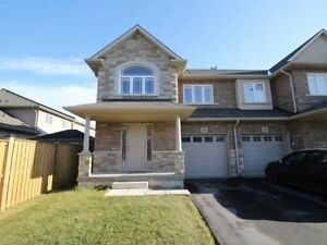 Summit Park Executive Townhouse in Stoney Creek/ Hannon