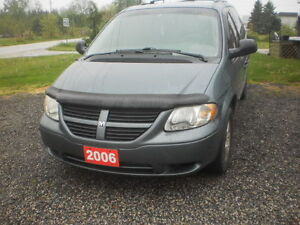 2006 dodge grand caravan stow'n'go