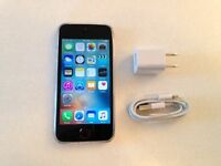 Perfect Space Grey Apple 16GB iPhone 5s - Unlocked + Case