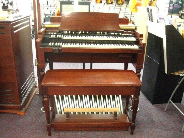 Hammond B3 Mk 2-Organ with Leslie Speaker and Bench