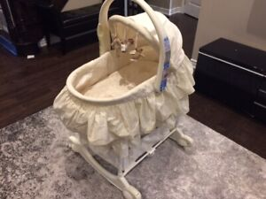 Baby Bassinet / Change table