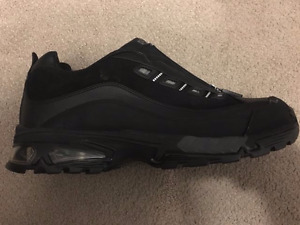 Steel toe shoes. Extremely comfortable, Size 11. New