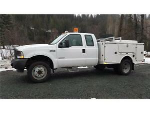 2004 Ford F-450 4X4 DUALS DIESEL SERVICE BODY 136,000 KM $19,900 Prince George British Columbia image 2
