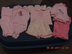 Girl's size 0-3months 2 Piece Outfits