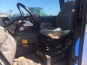 2010 New Holland LM5080 Telescopic Forklift London Ontario image 5