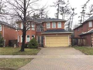 4 Bdr Detached entire house for rent(walk to Sheridan College)