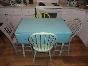 Vintage table/chairs