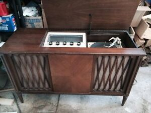 Vintage 1950 Electrohome tube stereo console à lampe