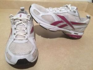 Women's Reebok Running Shoes Size 8 London Ontario image 1