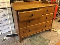 4 drawer pine chest of drawers. Very clean and excellent condition.