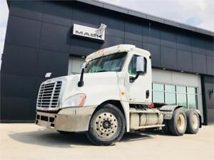 Used 2011 Freightliner Cascadia Daycab