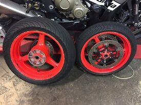 Honda CBR1000RR wheels and tyres