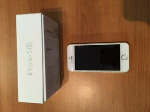 IPHONE 5S 16GB UNLOCKED - CHAMPAGNE COLOR