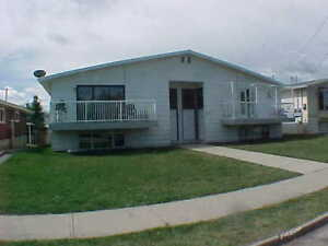 LARGE 3 BEDROOM FOURPLEX IN INNISFAIL FOR RENT