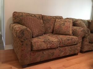 Cozy comfortable matching love seats in excellent condition.