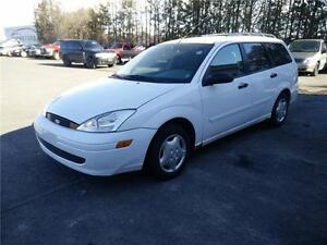2001 Ford Focus SE Low km  4 CYL 2.0L AUTO 4 door wagon