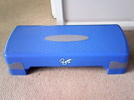 DAVINA MCCALL STEPPER FOR AEROBICS, BOXED WITH WORKOUT INSTRUCTIONS, AS NEW £15.