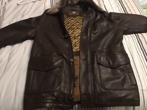BRAND NEW 100% LEATHER JACKET BY ANDREW MARC NEW YORK
