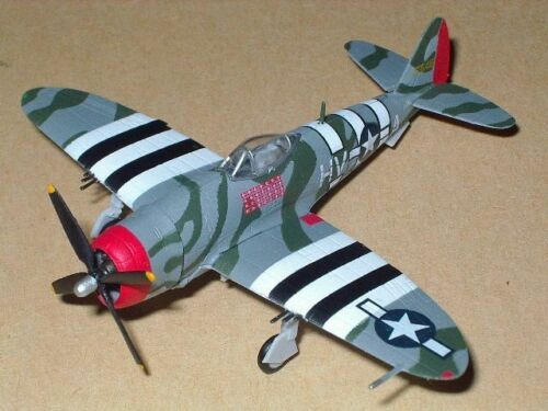 "1/144 Bandai ""SECRET"" P-47D Thunderbolt from WingClub L3 with 1 figure"