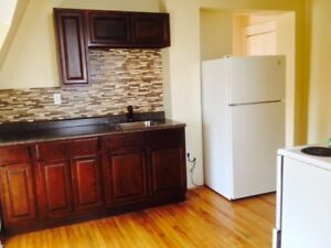 SMALL ONE BEDROOM UPTOWN