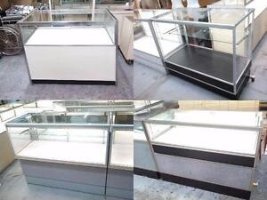 VITRINE ILLUMINÉE POUR CONVENIR À VOTRE BUDGET  / GLASS ILLUMINATED SHOWCASES TO SUIT YOUR BUDGET