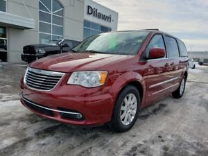 2015 Chrysler Town & Country Touring w/ Navigation