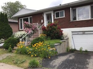 ***BEAUTIFUL RENOVATED HOUSE FOR RENT IN LAVAL***