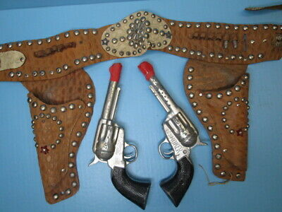 Vintage 1960's Smoker 45 cap gun set with double leather holster