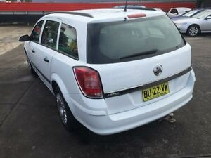 2008 Holden Astra AH MY08 CD White 4 Speed Automatic Wagon Cardiff Lake Macquarie Area Preview