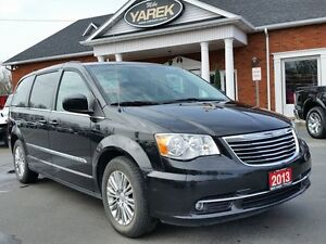 2013 Chrysler Town & Country Touring, Heated Seats, Back Up Cam,