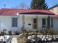 Laval Chomedey bungalow for rent Nov 1.