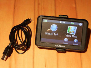 Garmin Nüvi 40LV with US & Canada 2017 Maps Lifetime Updates