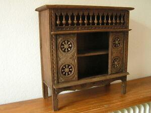 ancienne armoire bretonne mobilier de poup e en bois sculpt. Black Bedroom Furniture Sets. Home Design Ideas