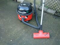 HENRY XTRA HOOVER WITH ATACHMENTS