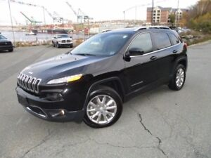 2017 Jeep CHEROKEE Limited V6 (PANORAMIC ROOF,  HEATED/COOLED LE