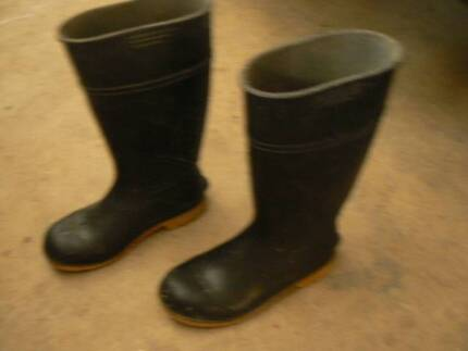 GUMBOOTS SIZE 9 Castle Hill The Hills District Preview