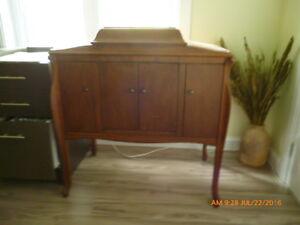 Beau meuble antique