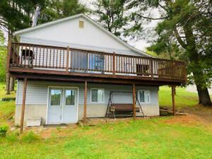Mallard Lake Waterfront Cottage/Home!