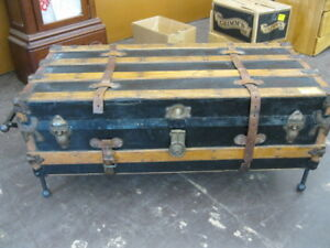 AUCTION FURNITURE  OCT 25 @ 6 PM