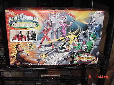 Power Control-center (Power Rangers Time Force Control Center Exclusive 5