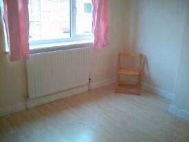 2 bed house to rent in Grange Villa, Chester le Street - very low rent for quick let