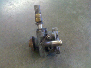 POMPE A POWER STEERING GOLF /JETTA MK4 2.0L /1.8T 2000 a 2004