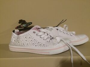 Chatties Girl's White Sneakers - Youth Size 3/4 - Brand new!