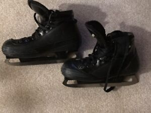"Hockey Goalie skates (size 5) and goalie pads (28"")"
