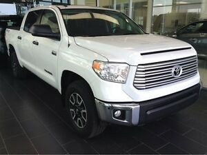 2016 Toyota Tundra V8/BACKUP CAMERA/POWER MOONROOF/VERY LOW KM'S