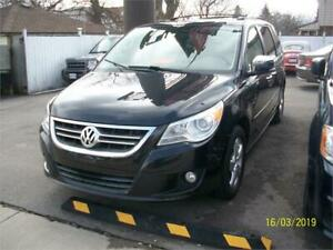 2010 Volkswagen Routan Execline ABSOLUTELY LOADED WITH OPTIONS