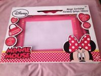 MINNIE MOUSE MAGIC SCRIBBLER
