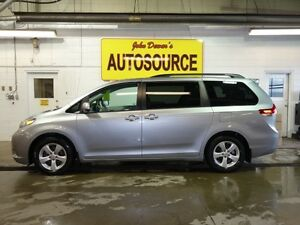 2013 Toyota Sienna LE FWD 8-Passenger V6 Peterborough Peterborough Area image 2