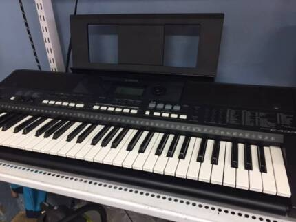 YAMAHA PSR-E433 KEYBOARD Excellent Condition