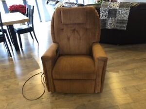 Niagara Cycle Massage Reclining Chair in Excellent Condition